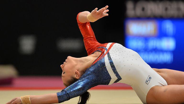 Спортивной гимнастикой начинают заниматься очень рано - ребенок автоматически попадает в группу риска. Фото Владимир Астапкович/РИА Новости