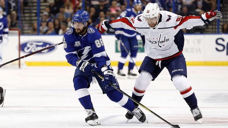 Никита КУЧЕРОВ (слева) и Евгений КУЗНЕЦОВ. Фото USA TODAY Sports