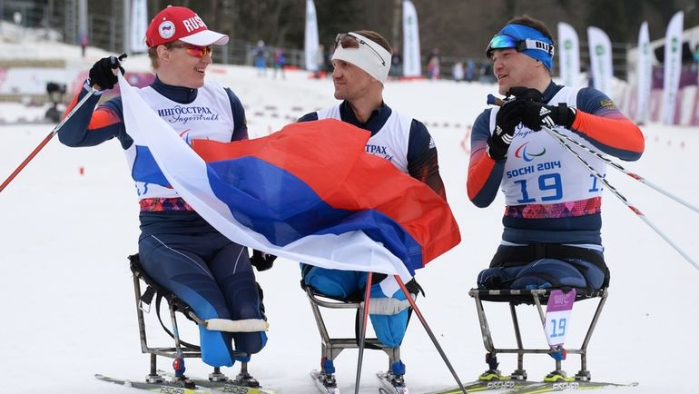 Под каким флагом поедут россияне на Паралимпиаду? Фото РИА Новости