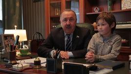 Валерий Газзаев поздравляет читателей