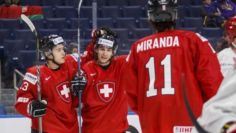 Русский швейцарец Филипп КУРАШЕВ (слева) -большой поклонник Павла Дацюка. Фото taiwannews.com.tw