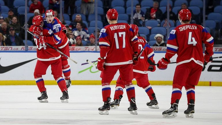 Почему сборная России проиграла США в четвертьфинале молодежного чемпионата мира. Фото AFP