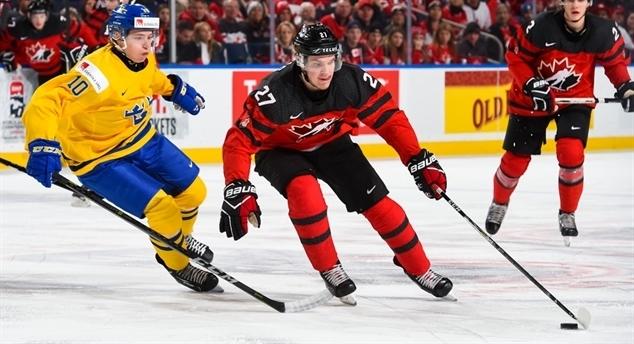 Сборная Канады обыграла Швецию в финале молодежного чемпионата мира. Фото ИИХФ