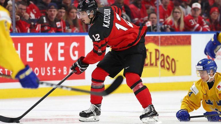Пятница. Баффало. Швеция - Канада - 1:3. Канадцы выиграли золотые медали молодежного чемпионата мира. Фото AFP