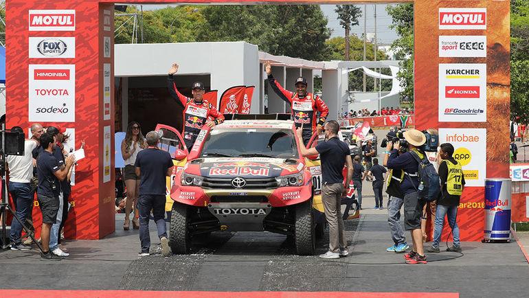 """Вчера. Лима - Писко. Нассер Аль-Аттия/Мэттью Бомель на Toyota Hilux T1 выиграли стартовый этап """"Дакара""""-2018."""