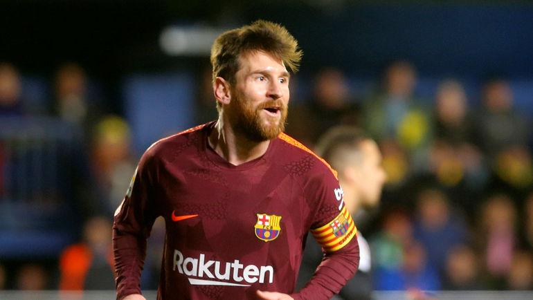 Месси— 1-ый  футболист, кто получает неменее  €100 млн вгод