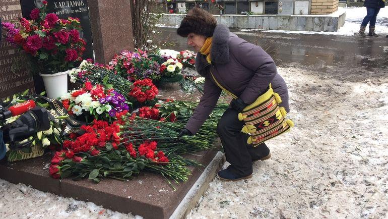 """Ветераны почтили память Харламова. Фото """"СЭ"""""""