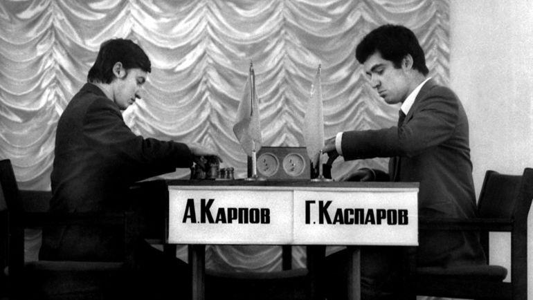Анатолий КАРПОВ и Гарри КАСПАРОВ. Фото Борис ДОЛМАТОВСКИЙ