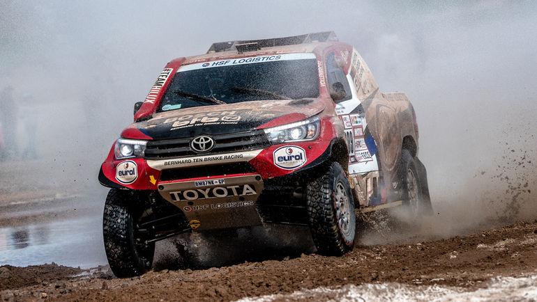 Toyota Hilux T1 Бернарда тен Бринке.