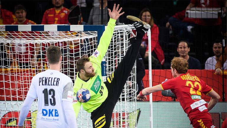Чудо-растяжка от вратаря сборной Германии Андреаса ВОЛЬФФА.