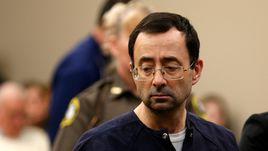 235 лет тюрьмы для врача-педофила. В США завершается процесс десятилетия