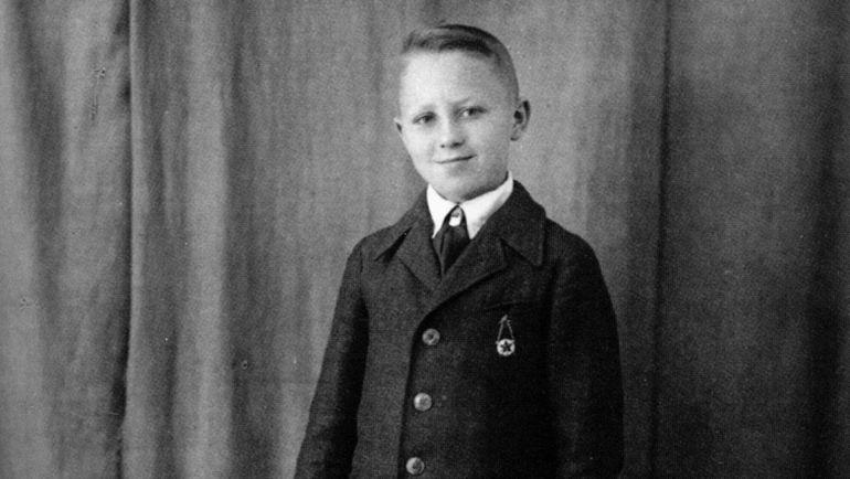 1930 год. Школьник Алексей ПАРАМОНОВ. Фото из личного архива Алексея ПАРАМОНОВА