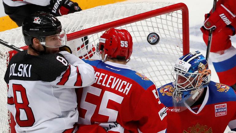 Войтек ВОЛЬСКИ (слева) - один из 13 хоккеистов КХЛ в олимпийской заявке Канады. Фото REUTERS