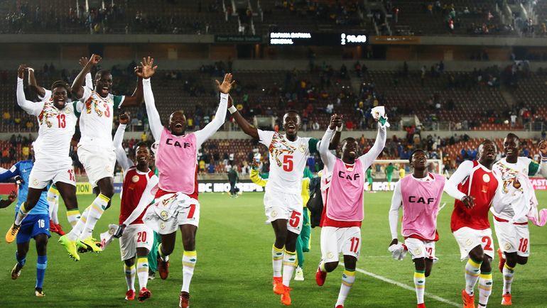 Игроки сборной Сенегала празднуют выход на чемпионат мира. Фото AFP