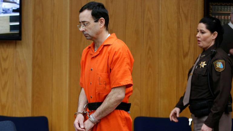 Ларри НАССАР в зале суда. Фото Rebecca Cook, REUTERS