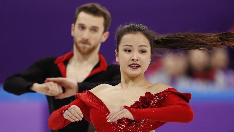 Корейская олимпийская фигуристка оконфузилась сослетевшим вовремя выступления топом
