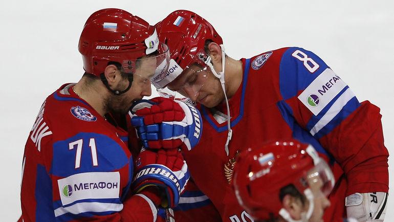 Илья КОВАЛЬЧУК (слева) сыграет на Олимпиаде, а Александр ОВЕЧКИН не приедет в Корею из-за решения НХЛ. Фото REUTERS