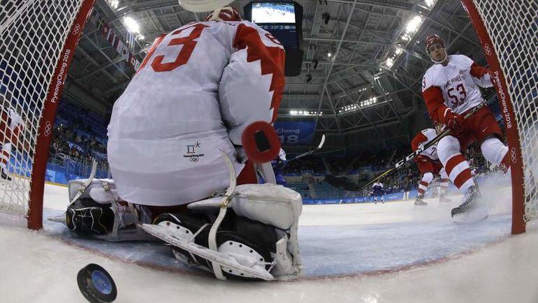 Сегодня. Пхенчхан. Словакия - РОССИЯ - 3:2. Команда Олега Знарка упустила преимущество в две шайбы. Фото AFP