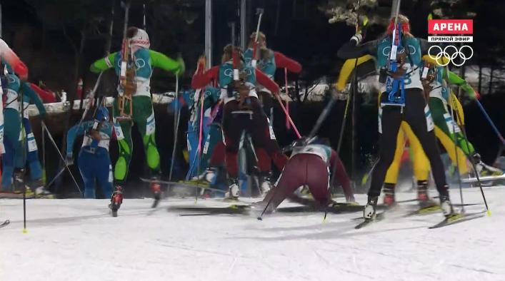 Падение россиянки Татьяны Акимовой в масс-старте на Олимпиаде в Пхенчхане.