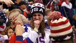 Эмоция дня на хоккее. Американке не понравилось