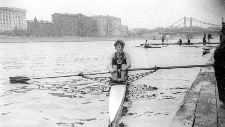 1952 год. Москва. Юрий ТЮКАЛОВ готовится к Олимпиаде в Хельсинки. Фото Анатолий БОЧИНИН