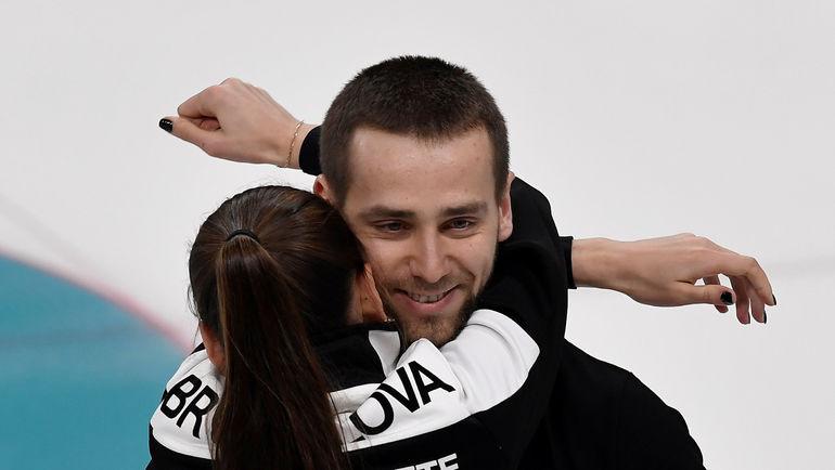 Александр КРУШЕЛЬНИЦКИЙ (справа) и Анастасия БРЫЗГАЛОВА. Фото AFP