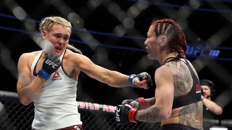 UFC: «Киборг» нокаутировала российскую дебютантку Яну Куницкую