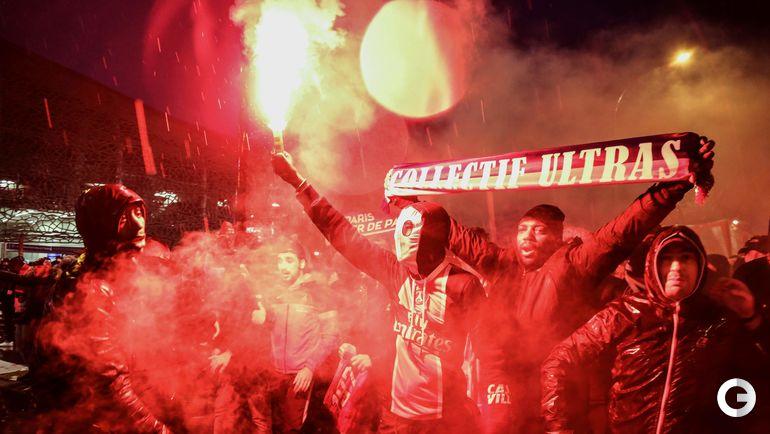 """Вторник. Париж. Болельщики перед игрой ПСЖ - """"Реал"""" в Лиге чемпионов."""