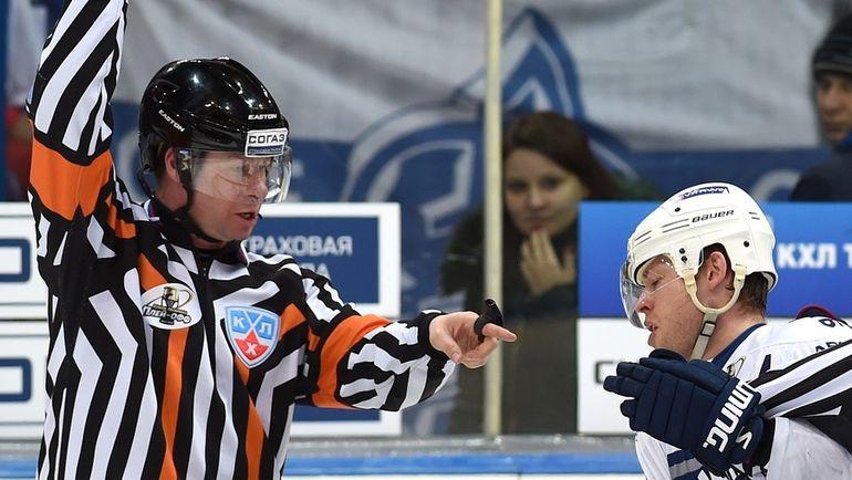 Владислав КИСЕЛЕВ (слева). Фото Юрий КУЗЬМИН, photo.khl.ru