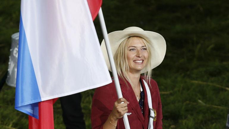 Зачем Шарапова сфотографировалась с американским флагом