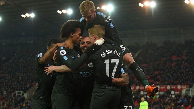 """Понедельник. """"Стоук Сити"""" - """"Манчестер Сити"""" - 0:2. Лидер чемпионата празднует очередной забитый гол. Фото AFP"""