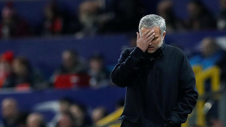"""Вчера. Манчестер. """"Манчестер Юнайтед"""" - """"Севилья"""" - 1:2. Жозе МОУРИНЬЮ. Фото REUTERS"""