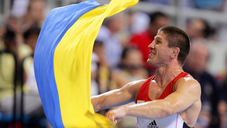 Август 2004 года. Афины. Эльбрус ТЕДЕЕВ - олимпийский чемпион. Фото AFP