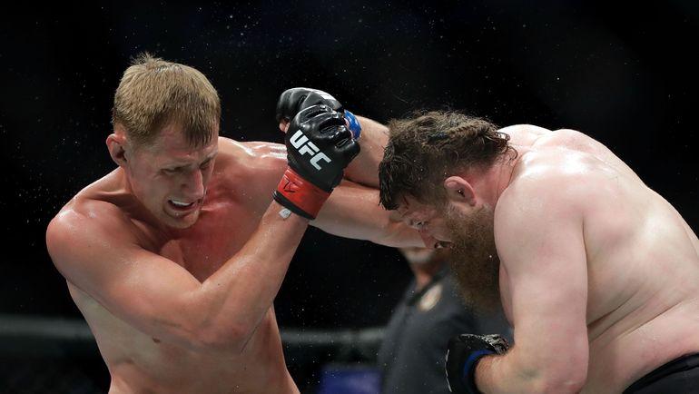 ВСеть выложили видео, как житель россии Волков нокаутировал прежнего чемпиона UFC