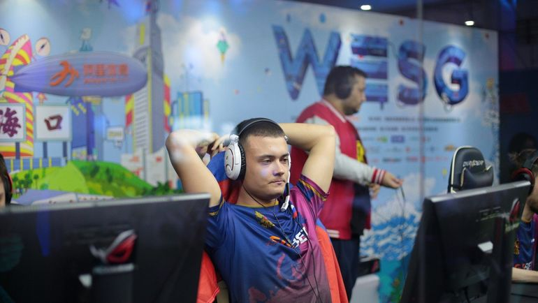 "Денис ""seized"" Костин. Фото WESG"