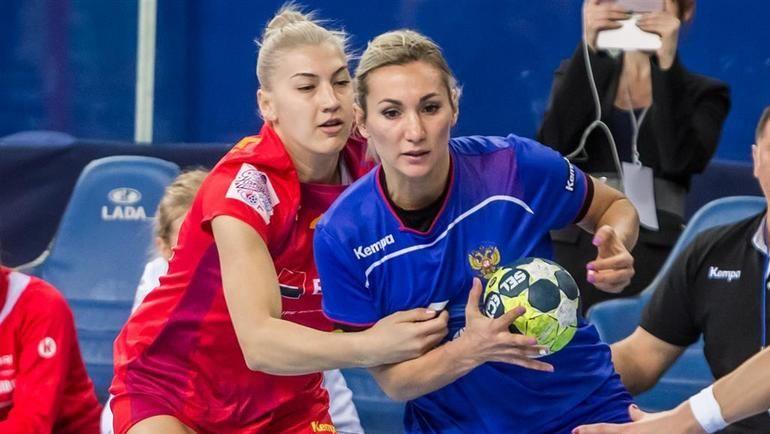 Вчера. Тольятти. Полина КУЗНЕЦОВА (справа) в матче с Румынией. Фото Пресс-служба ФГР