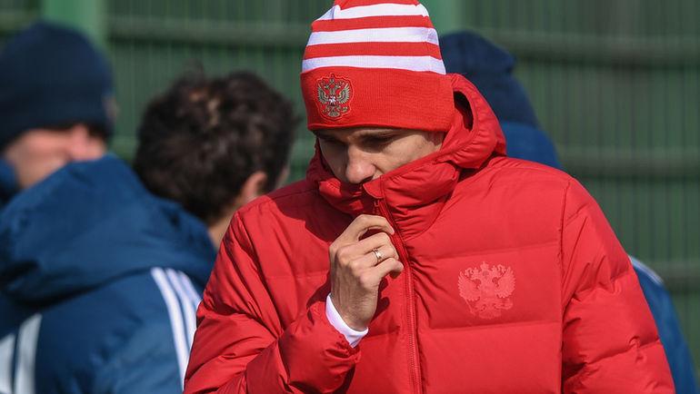 Футболист сборной Российской Федерации Зобнин несыграет скомандой Франции из-за травмы