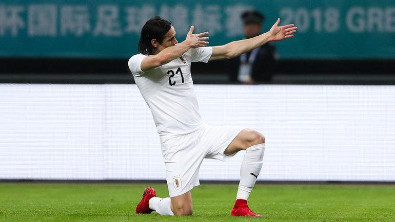 Кавани пробил сотню. Уругвай победил Уэльс