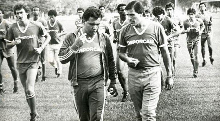 Оскар ТАБАРЕС (справа).