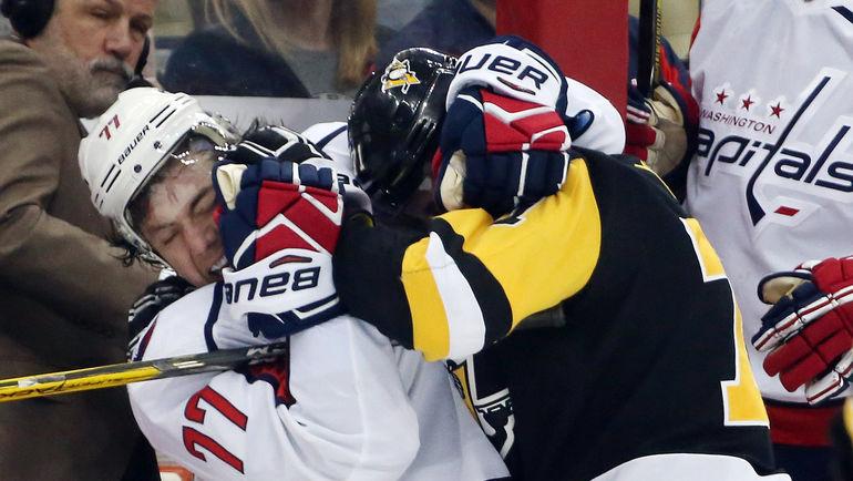 Наши в Америке: российское супердерби НХЛ закончилось перепалкой