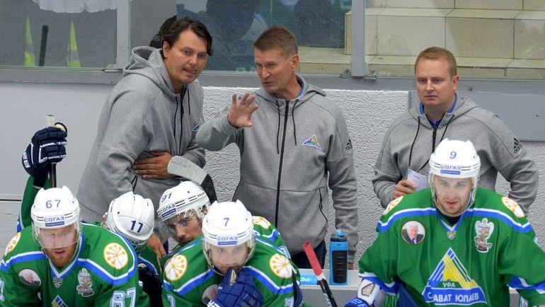 Николай ЦУЛЫГИН (слева), Эркка ВЕСТЕРЛУНД и Томи ЛАМСА. Фото photo.khl.ru