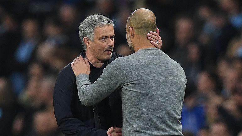 """Суббота. Манчестер. """"Манчестер Сити"""" - """"Манчестер Юнайтед"""" - 2:3. Жозе МОУРИНЬЮ (слева) и Хосеп ГВАРДЬОЛА. Фото AFP"""