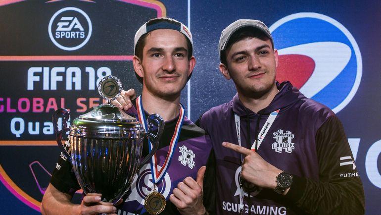 "Август ""Agge"" Розенмайер (слева) -  - победитель ESWC на PS4. Фото ESWC"