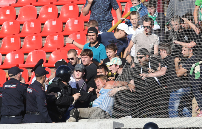 "Новосибирские полицейские избили  безногого фаната ""Томи"" Фото ""СЭ"""
