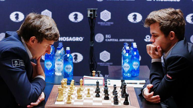 Любителей шахмат уже скоро ждет новое противостояние Сергея КАРЯКИНА (слева) и Магнуса КАРЛСЕНА. Фото AFP