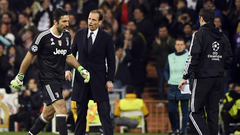 """Среда. Мадрид. """"Реал"""" - """"Ювентус"""" - 1:3. Удаление Джанлуиджи БУФФОНА. Фото AFP"""