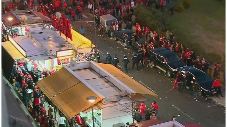«Порту» обыграл «Бенфику», фанаты устроили беспорядки после матча