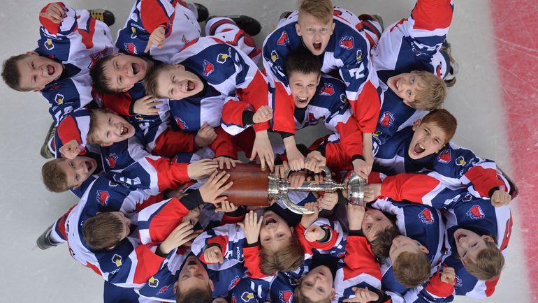 """""""Кубок Газпром нефти"""" - турнир для одиннадцатилетних игроков, организованный по высшим стандартам профессионального хоккея. Фото предоставлено пресс-службой """"Кубка Газпром нефти"""""""