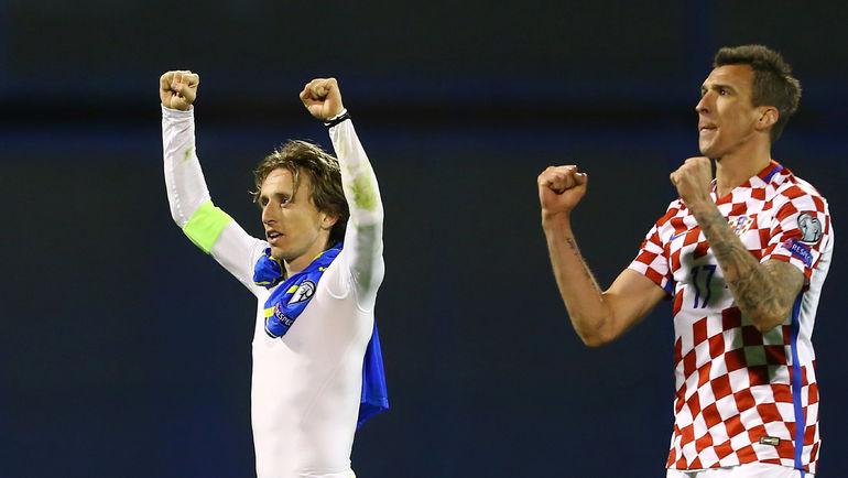 Лидеры сборной Хорватии Лука МОДРИЧ (слева) и Марио МАНДЖУКИЧ. Фото REUTERS