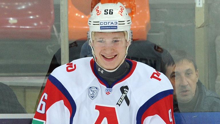 Молодой российский форвард решил не ехать в НХЛ. Что его смутило?